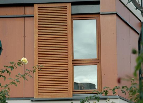 Pose fenetre bois renovation r novation sur cadre for Poser fenetre bois